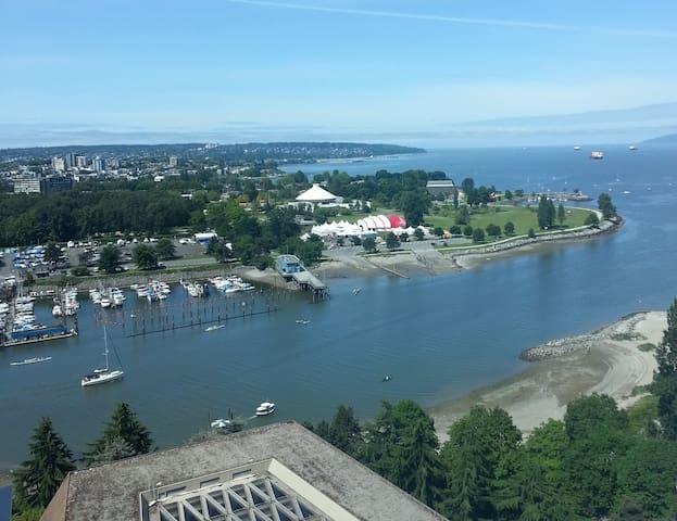 能看到大海房子 - Vancouver