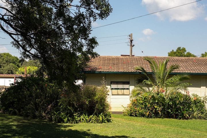 Grand View LeRoux . Downstairs room - Harare - Bed & Breakfast