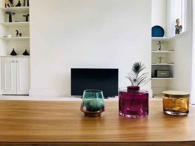 Lovely flat in central London, Victoria St