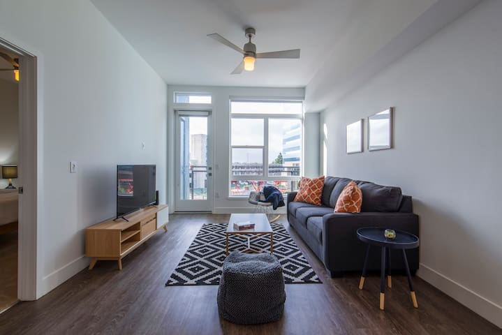 Kasa | Orange County | Cozy Modern 1BD/1BA Apartment