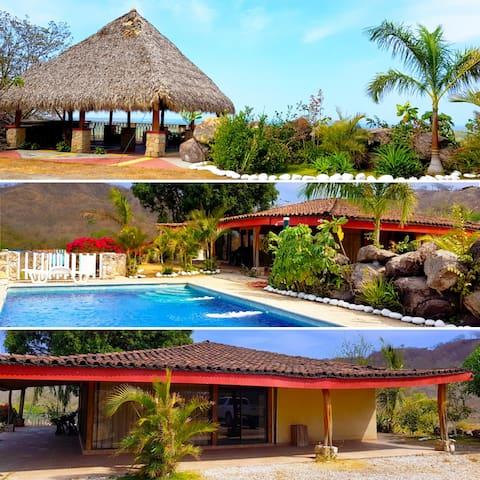 3 bedroom Villa (Playa Grande) 2 - 8 people