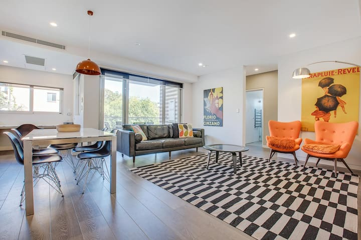 Professional Apartment 15 Minutes from CBD