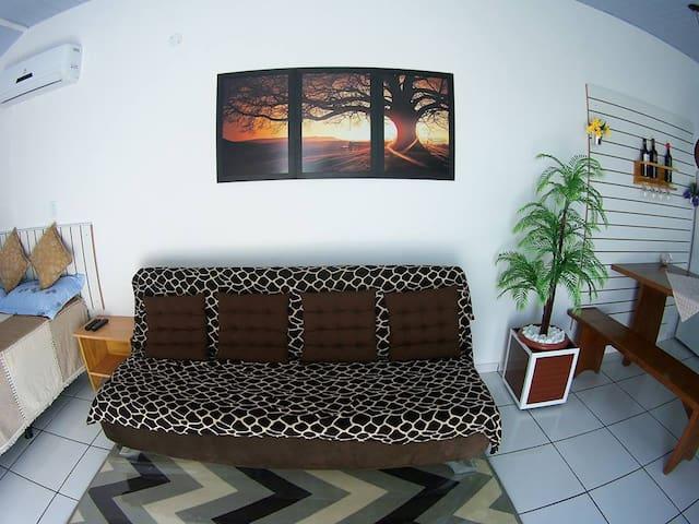 CASA DO KIN Conforto, boa localização PRAIA GRANDE