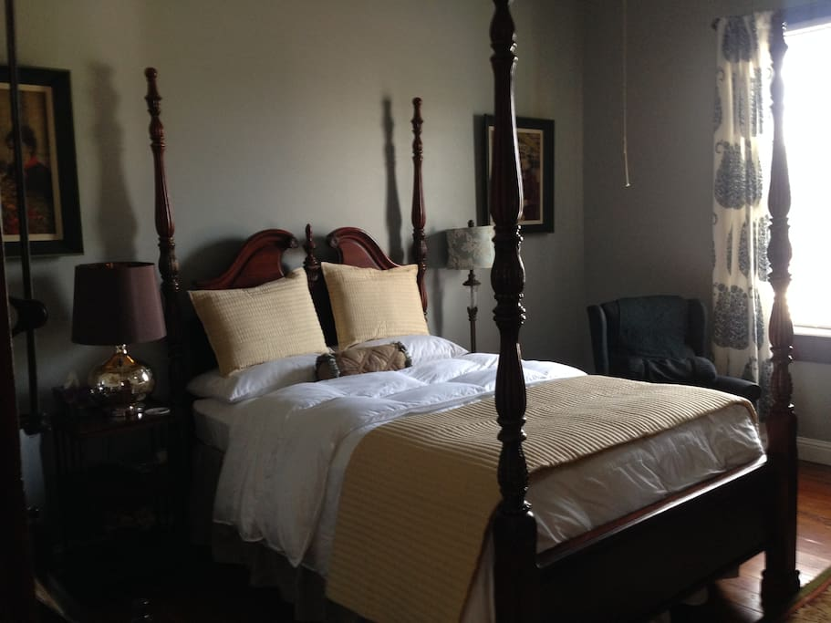 Louisiane Room - Queen Bed
