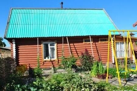 гостевой домик посуточно - Поспелиха - Huis