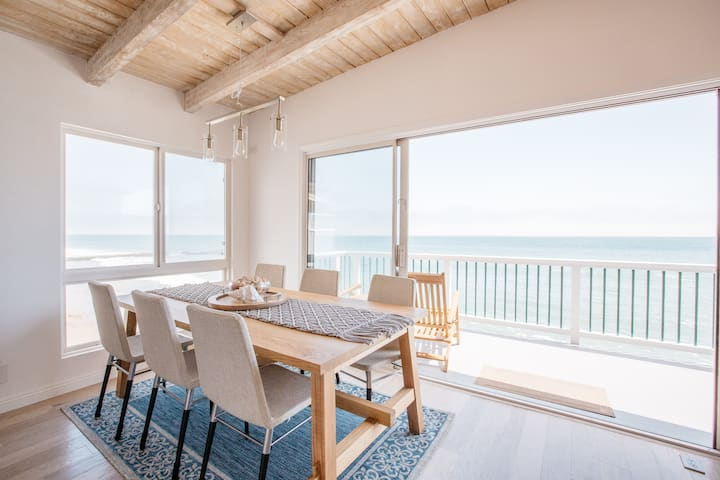 Malibu Road Oceanfront Modern 2 Bed 2 Bath Magic