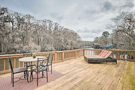 Waterfront Karnack Home w/ Deck & Boathouse!