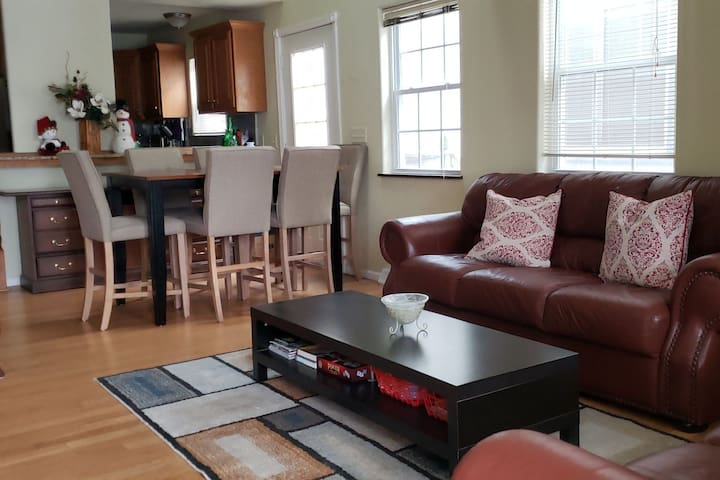 Bay View's  CozyHaus - Sparkling Clean, Spacious