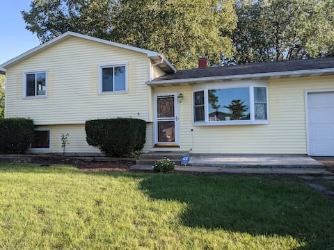 Entire home 20 minutes from Notre Dame!