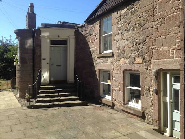 Historic house in heart of Montrose