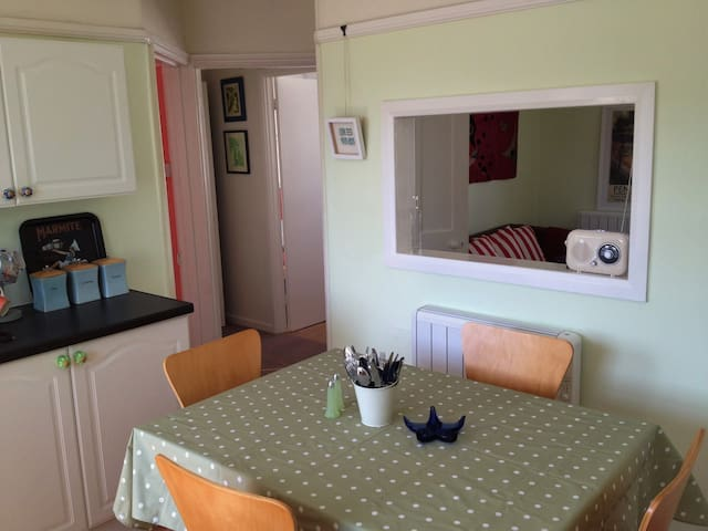Jubilee Flat, central, bright and cheerful - Penzance - Pis