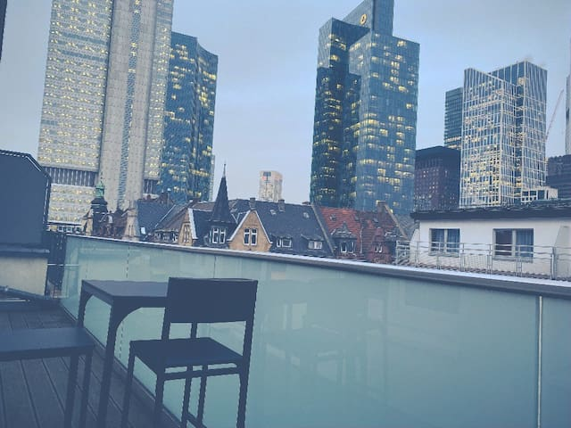 Penthouse with Skyline Terrace! Luxurious Room!