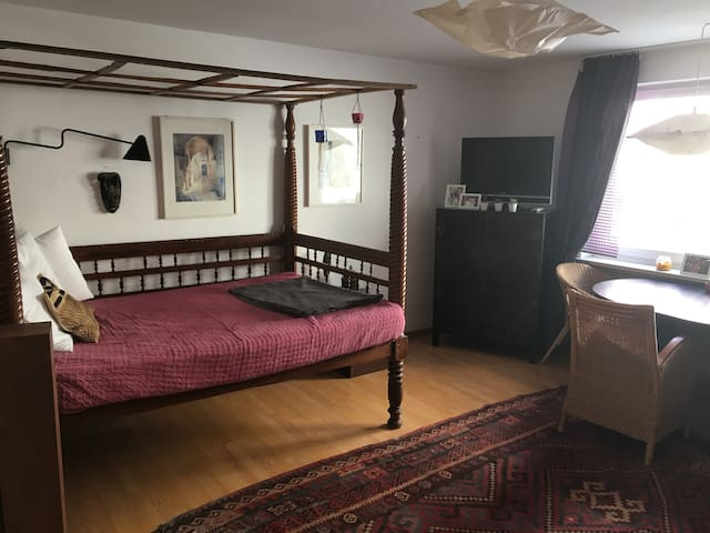 Perfect location for solo/couples in Maxvorstadt - München - Apartment