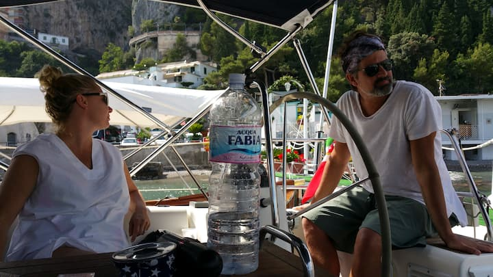 Your Honeymoon onboard of a sailing yacht!