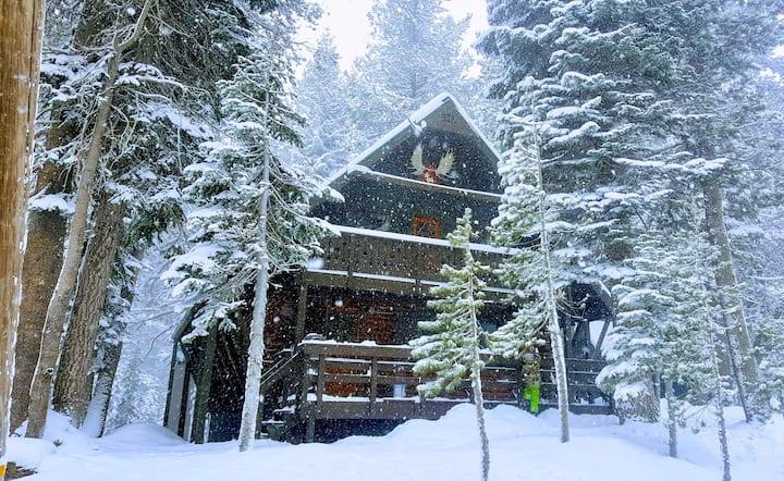 Hygge Log Cabin, Serene Lakes, Tahoe