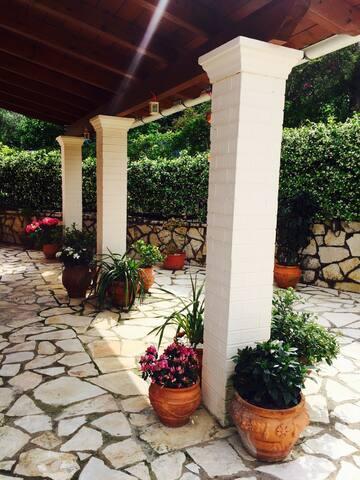 Charming tranquil villa in Corfu - Dassia - Leilighet