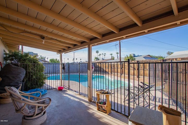 Pool + Location!! Room Near Mesa Riverview*****