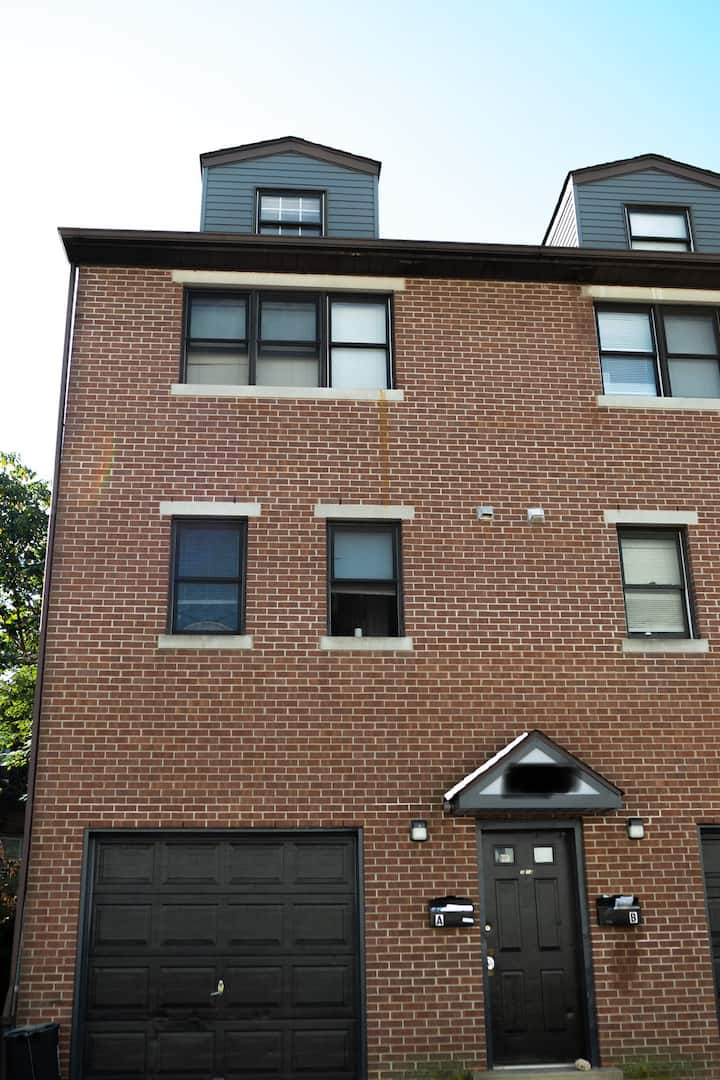 Private 1BR 1BA West Philly Suite