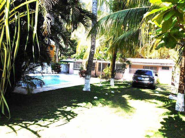 """Casa de playa  """"Las Veraneras"""" En costa del sol."""