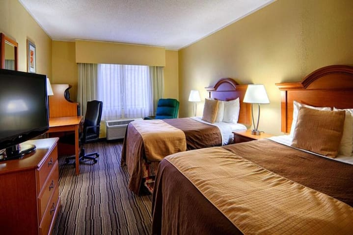 Norwood Inn Mankato - 2 Double Bed Suite Non Smoking