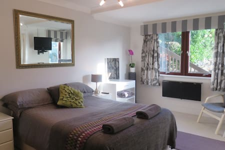 Palm Villa - Self Catering Private Annex - Onchan