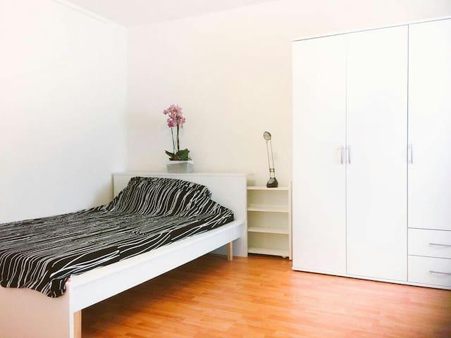 Gemütliches Zimmer in der Altstadt - Ratisbona - Apartamento