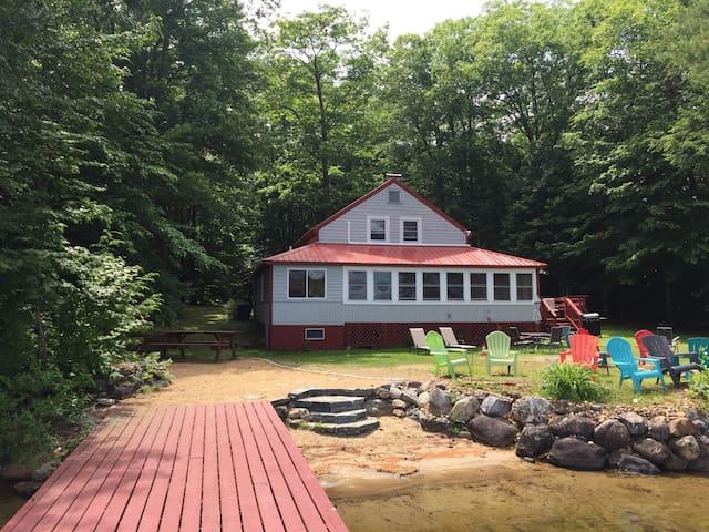 Escape the craziness with HannahsBrook Cottage!