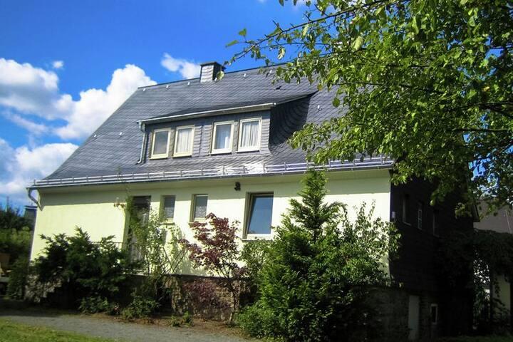 Comfortabel vakantiehuis in Sauerland met biljart