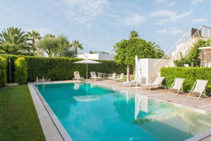 HelloApulia Villa Le Tre Corti: Luxury Villa with Pool