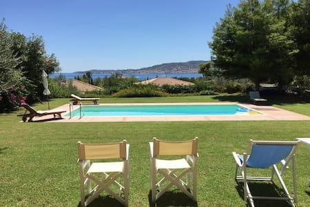 Sunny Seafront Villa - Kosta - Villa