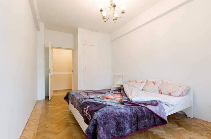 Huge Apartment in City Centre
