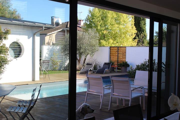 """"""" La Maison patio """""""