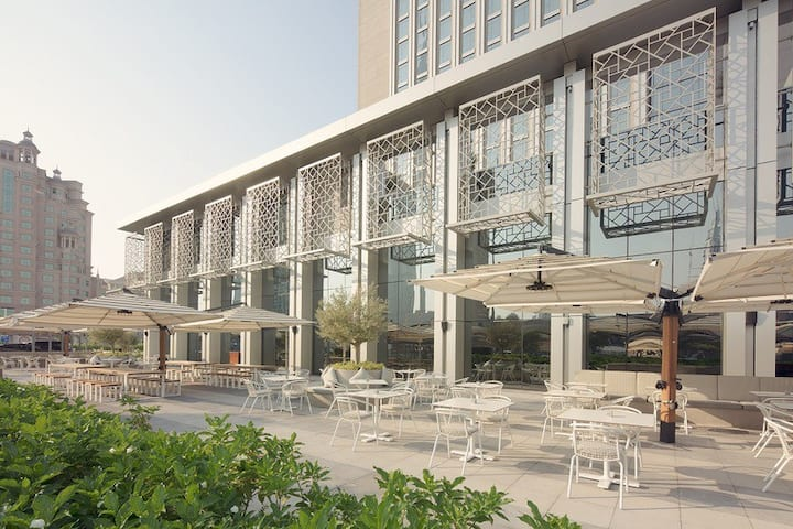 Gratifying Single Standard At Dubai