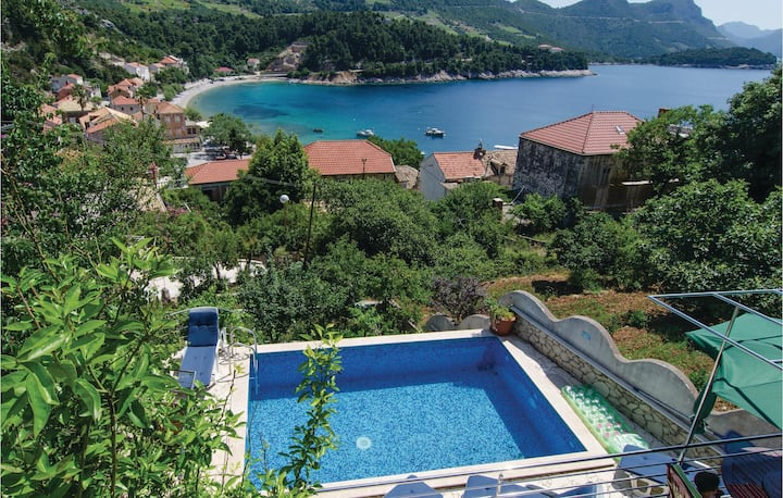 Stunning home in Trstenik with WiFi and 1 Bedrooms