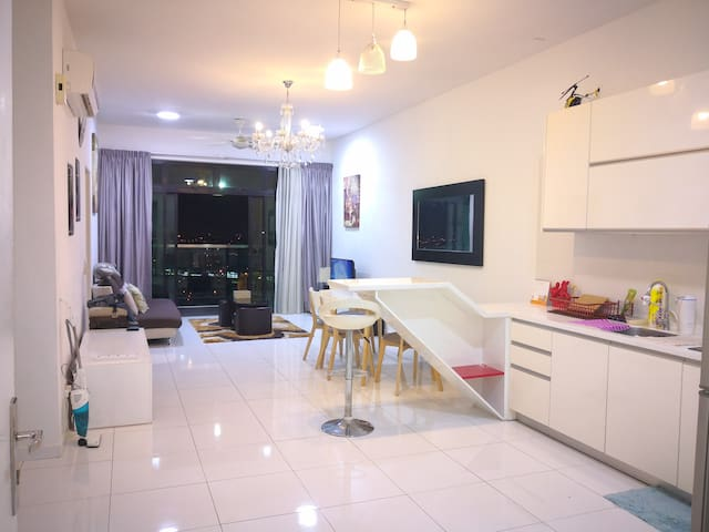 SKY LOFT Aeon Tesco Bukit Indah+2bed1Bath Suite