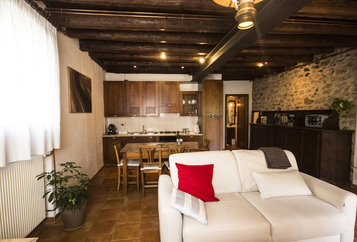 Diciotto - Rustico appartamento vicino al centro
