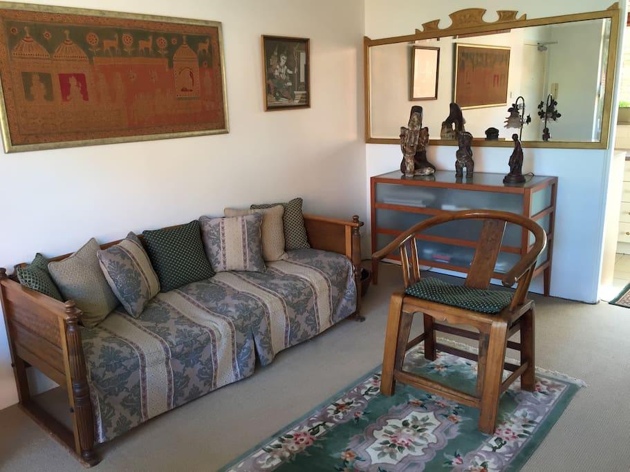 appartement confortable lumineux et bien situ appartements louer vaucluse nouvelle. Black Bedroom Furniture Sets. Home Design Ideas