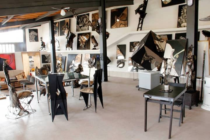 Steel Art Gallery Room