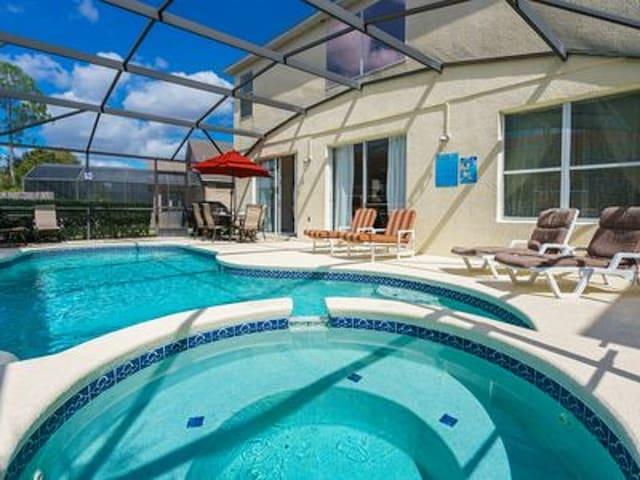 Gorgeous Villa Bel Air sleeps 14 pool and Jacuzzi