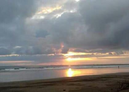 In front of the beach! Paradise! - Bahia Ballena, beach - Tente