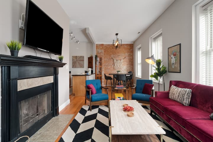 Stylish 2BR 1.5BA w/ Fireplace in Historic Soulard