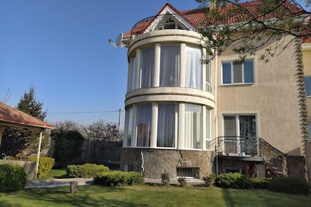 Семейный дом у моря Family Deluxe