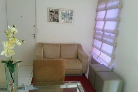 Apt 2 quartos boa localização mobiliado/ 1 garagem