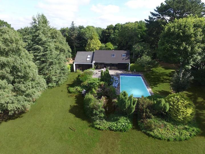 House, swimming pool, big garden