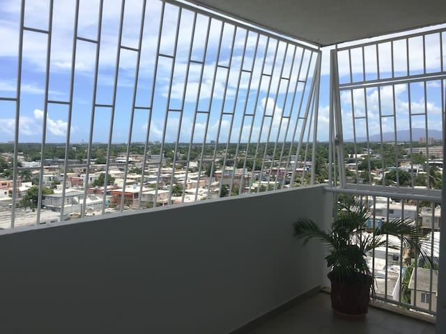 Secure private room/bathroom in central San Juan - San Juan - Condominio