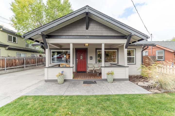 New Listing! Stunning Bend Bungalow - Walk to Downtown(formerly The Meredith)
