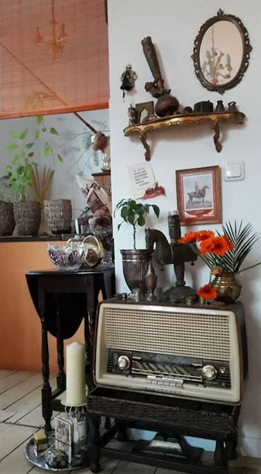 listen to the old radio and enjoy my crazy deco