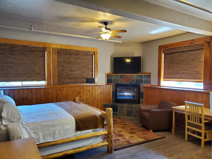Buffalo Lodge of Bigfork Room 2