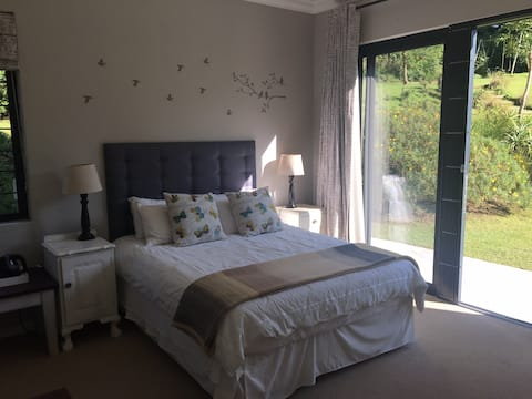 Quiet, peaceful and private room with en suite