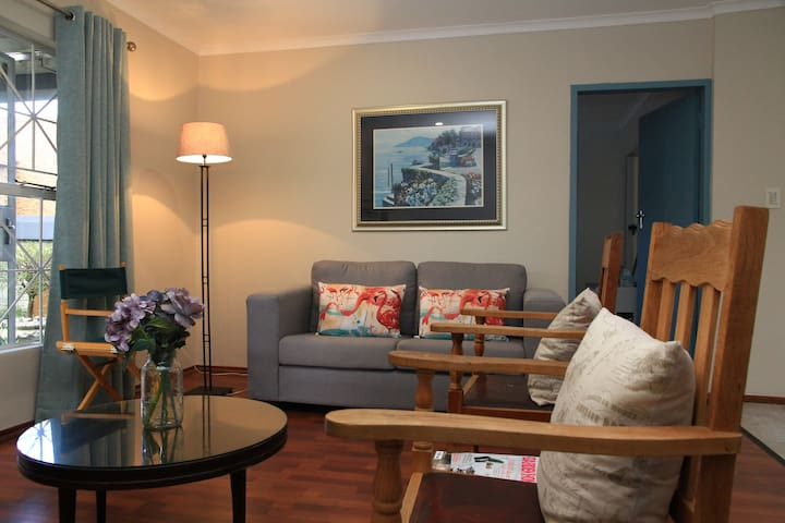 Home away from home! Feel the serenity. - Roodepoort - Lejlighed